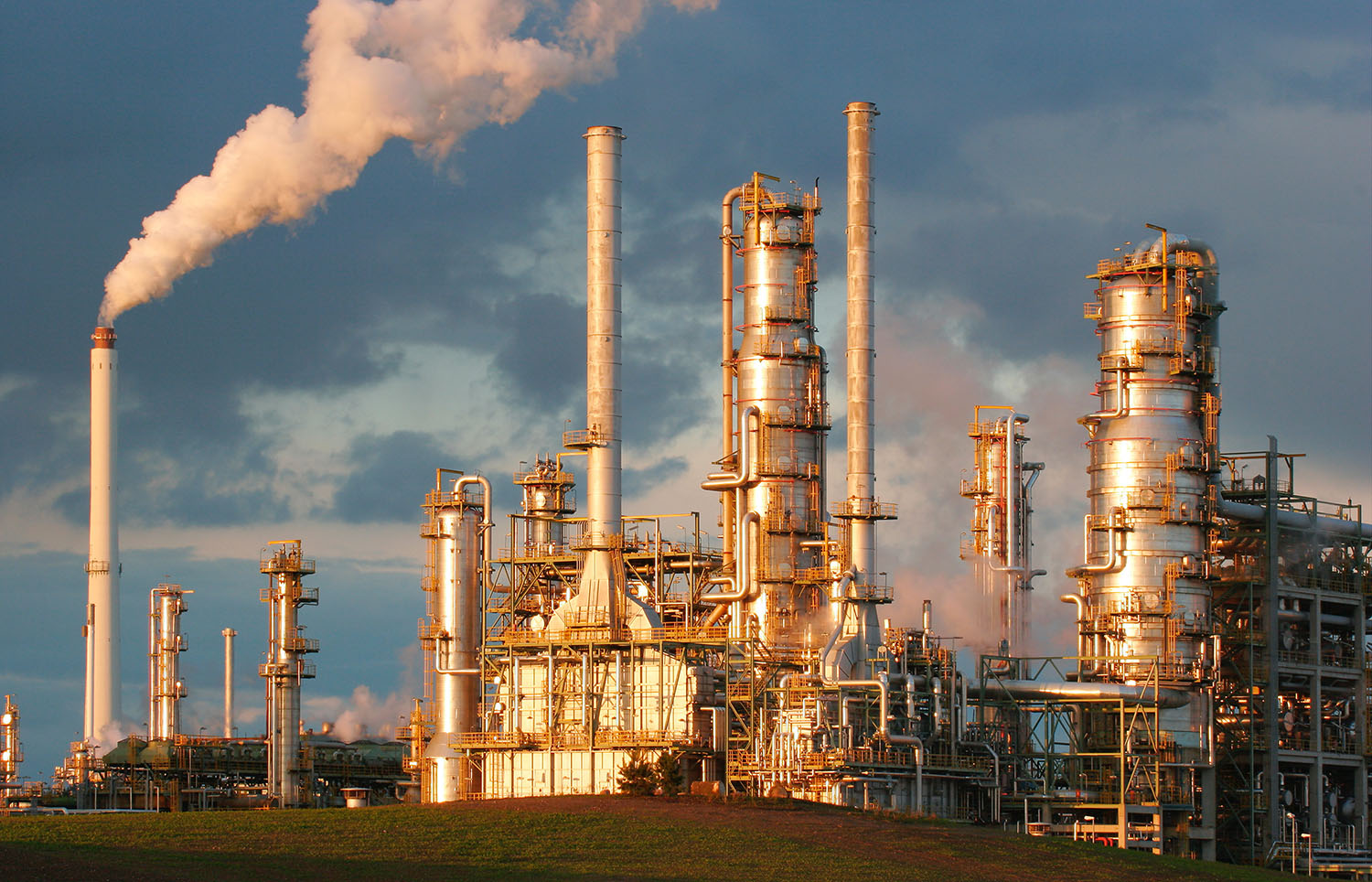 Monitoring Support for Oil Refineries to Comply with Federal Regulations